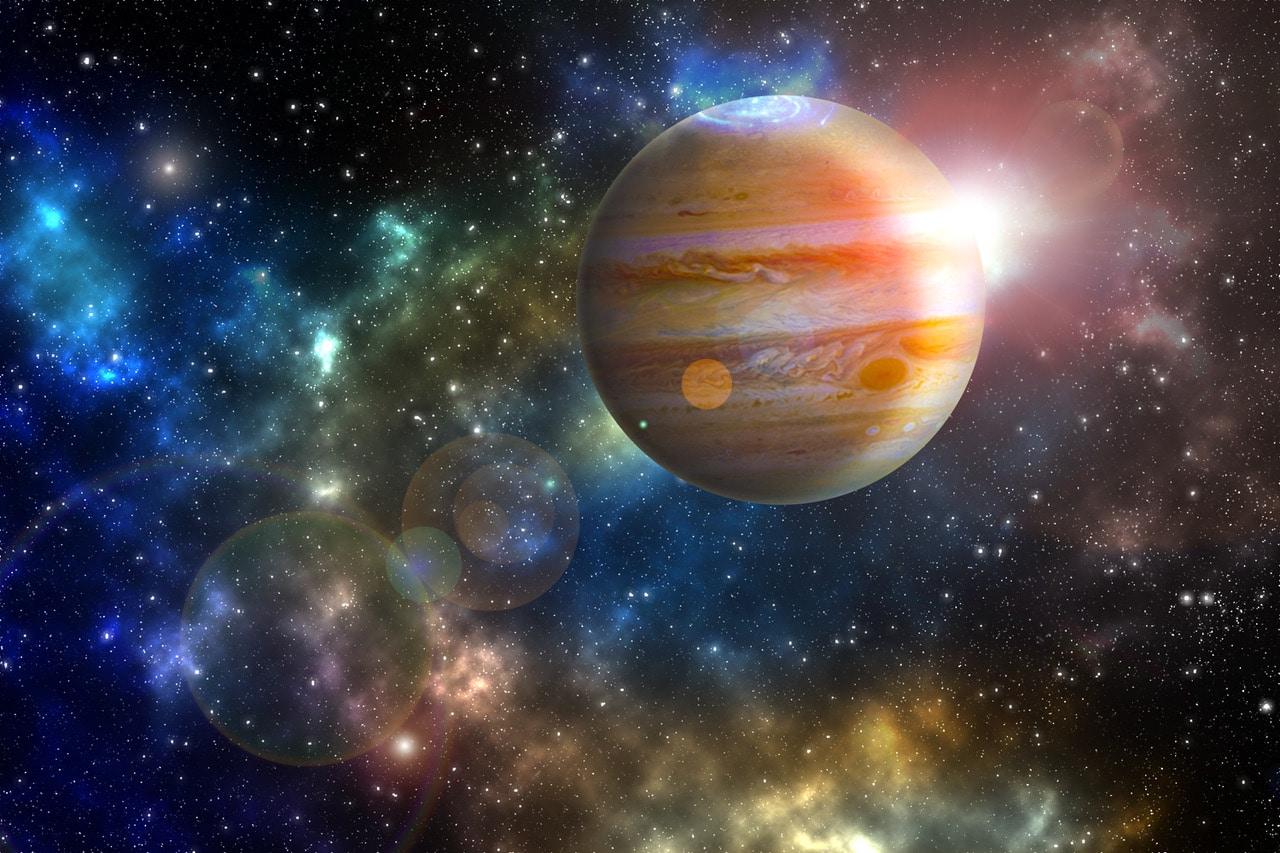 Der Jupiter ist mit einem Äquatordurchmesser von rund 143.000 Kilometern der größte Planet des Sonnensystems. (©Shutterstock)